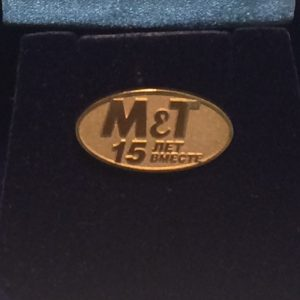 Значок из серебра 925 пробы с покрытием из золота 999 пробы